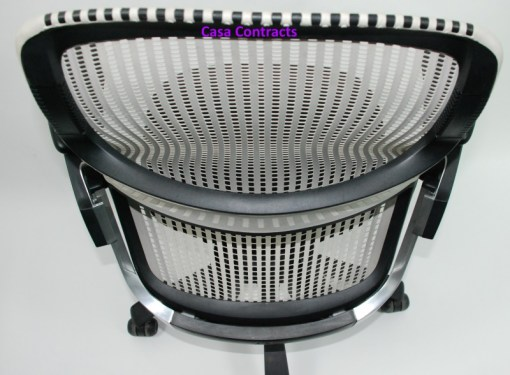 Knoll Generation chair Black and White 9a