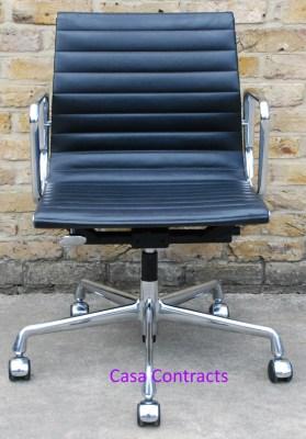 Vitra Eames EA117 black ribbed leather Aluminium Group Chair 1
