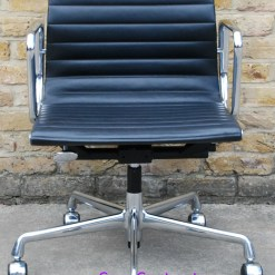 Vitra Eames EA117 black ribbed leather Aluminium Group Chair 1