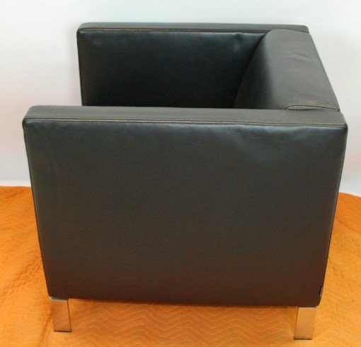 Walter Knoll Norman Foster inspired designed single seater sofa in black leather 8a