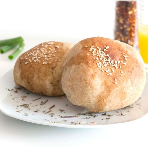 Assado de Falafel (falafel c/molho envolvido na massa integral)