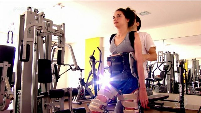 Resultado de imagem para Laís Souza enfrenta maratona de exercícios e fisioterapia para tentar recuperar movimentos