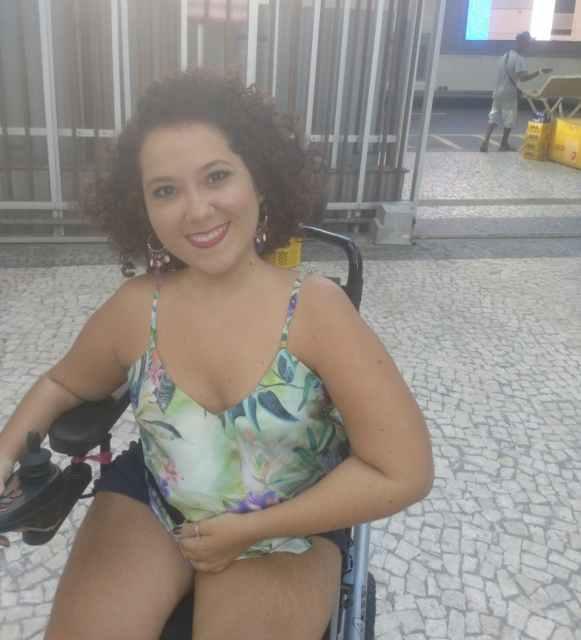 Mila D'Oliveira, autora do texto, no aproveitando o carnaval, em 2018.