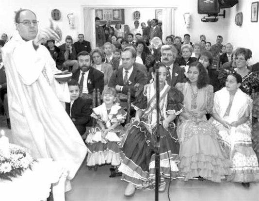 Un momento de la misa rociera en la Casa de Andalucía.
