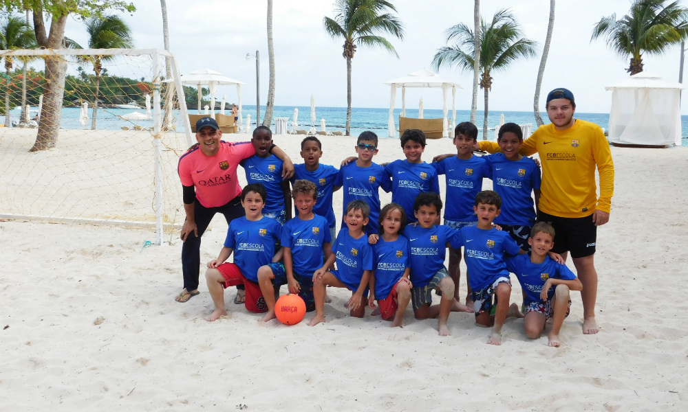 FCBEscola Summer Group at the Beach