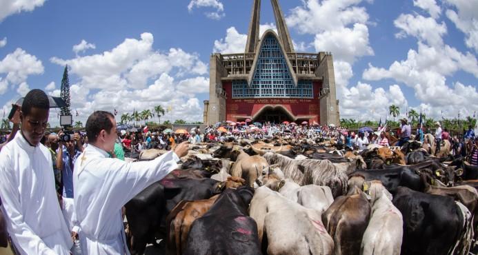 Toros de la Virgen de la Altagracia blessing