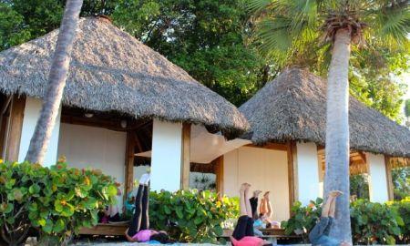 yoga Minitas Beach
