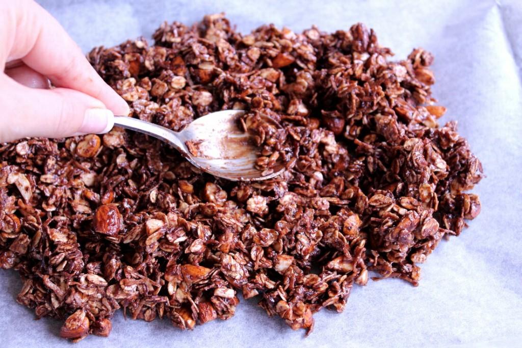 choc-crunch-granola-3