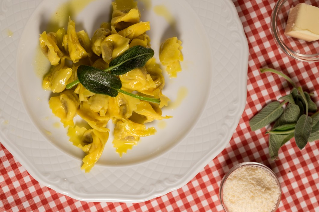 AGNOLI DI CARNE - TORTELLINI WITH MEAT *