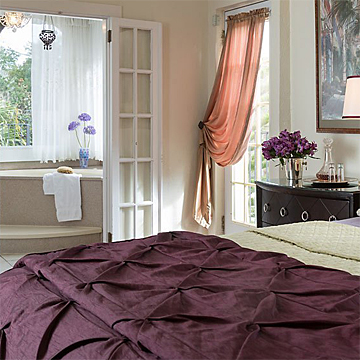 luxurious guest room