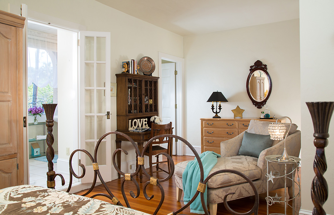 Cordova Room Sitting Area