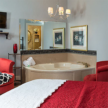 Romantic Guest Room with Whirlpool Tub