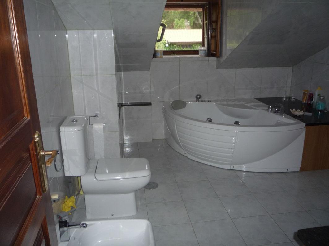 Cuarto de baño con jacuzzi archivos - Casa do Alto