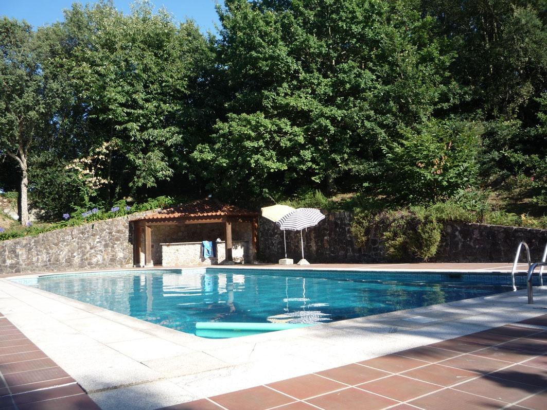 Haga clic aquí para ver más fotos de la piscina.