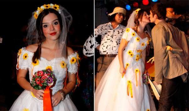 Vestido de noiva caipira com detalhes de girassol.