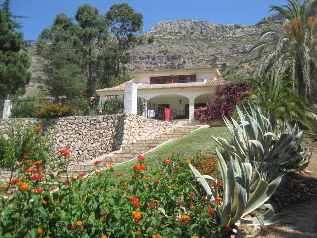 Villa for sale in La Drova
