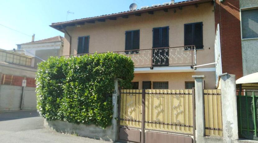 CASALE MONFERRATO (VIA CERRANO) Vendesi casa indipendente mq. 100