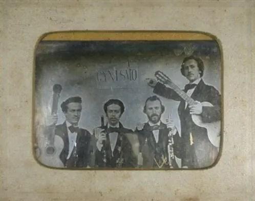 personagens casa levy de pianos