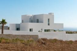 summer-house-in-santorini_kapsimalis-architects_dezeen_936_3