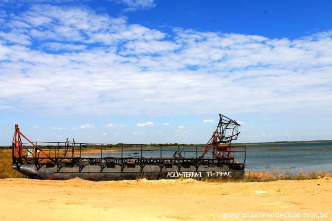 Foto no porto onde pegamos o barco para o hotel