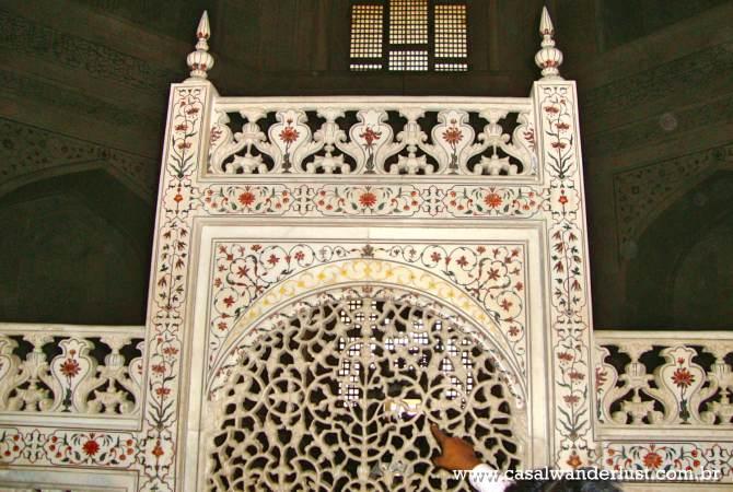 Dentro Taj Mahal