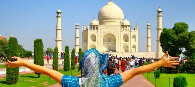 Arrastando o sari pelo Taj Mahal