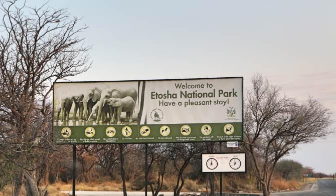 Um dos portões de entrada do Etosha