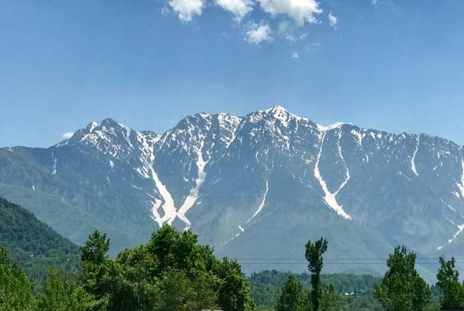 Como ir de Dharamshala para Srinagar