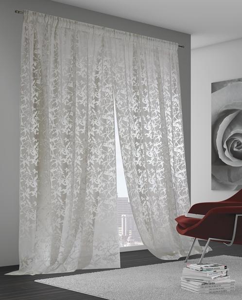 Grazie al nostro laboratorio interno di realizzazione e riparazione tende, proponiamo un'ampia offerta di modelli di tende e tendaggi. Tende D Arredo Casamiasrl