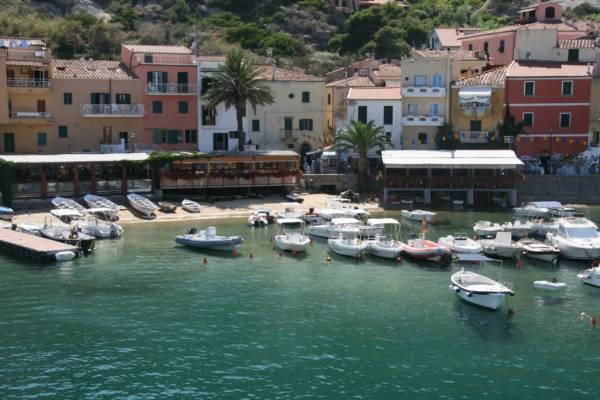 Isola del Giglio, port