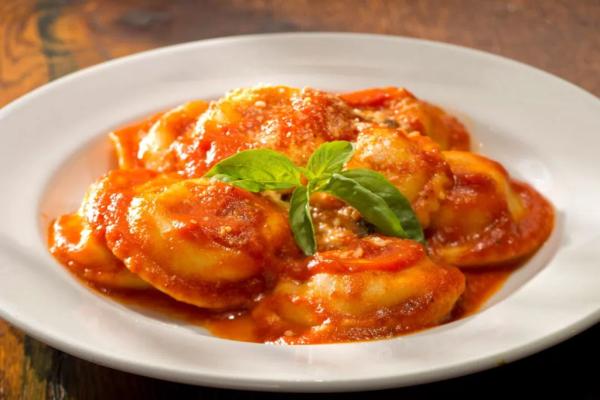 Making ravioli capresi