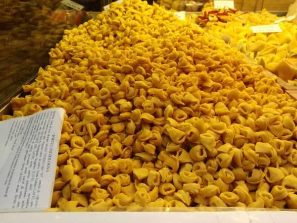 Bologna day trip tortellini