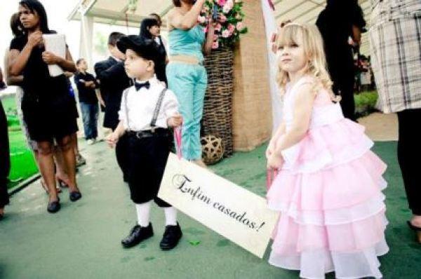 plaquinhas-entrada-e-saida-da-noiva-casamento (22)