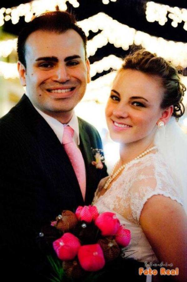 casamento-economico-12-mil-santa-catarina-decoracao-rosa-e-branca-faca-voce-mesmo (23)