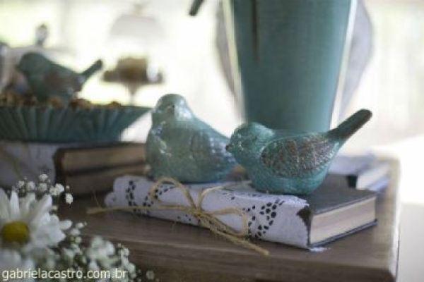 casamento-economico-de-dia-ao-ar-livre-chacara-noiva-com-coroa-de-flores-decoracao-faca-voce-mesmo-azul-e-amarelo- (6)