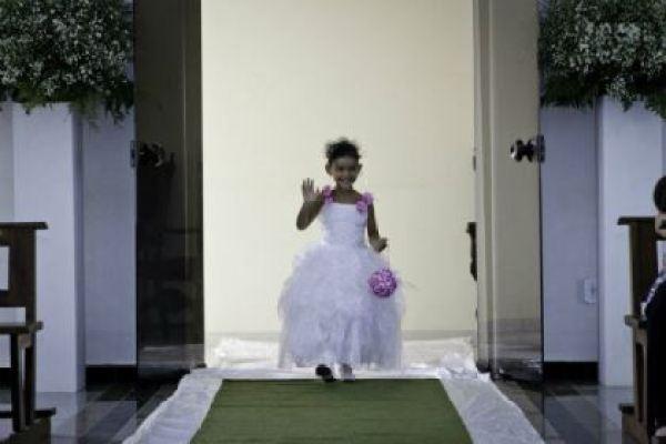 casamento-economico-minas-gerais-mini-wedding-70-pessoas-decoracao-rosa-comida-de-boteco (6)