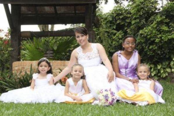 casamento-economico-pequeno-mini-wedding-de-manha-sao-paulo-sapato-roxo-decoraca-roxa-e-lilias (21)