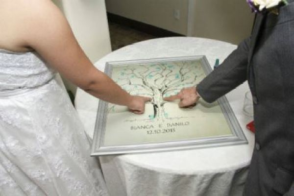 casamento-economico-pequeno-mini-wedding-de-manha-sao-paulo-sapato-roxo-decoraca-roxa-e-lilias (22)