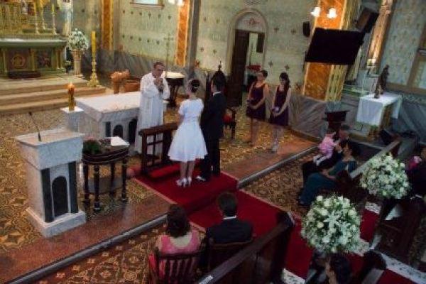 casamento-economico-retro-anos-50-curitiba-parana-vestido-de-noiva-curto-festa-salao-da-igreja (13)