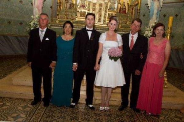 casamento-economico-retro-anos-50-curitiba-parana-vestido-de-noiva-curto-festa-salao-da-igreja (31)