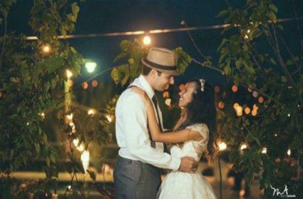 casamento-economico-rustico-vintage-retro-ao-ar-livre-Paraiba-varal-de-lampadas (8)