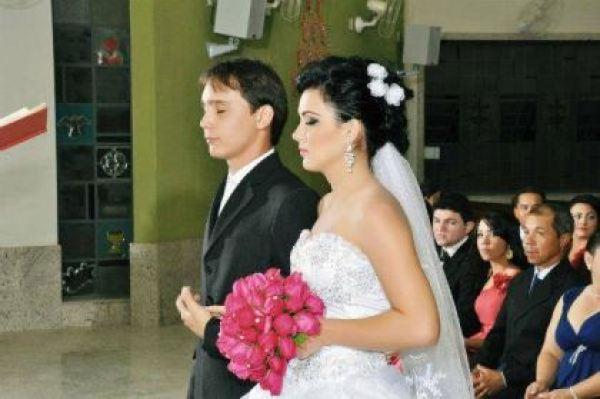casamento-economico-espirito-santo-decoracao-rosa-e-branco-7500-reais (11)