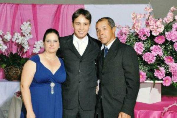 casamento-economico-espirito-santo-decoracao-rosa-e-branco-7500-reais (16)
