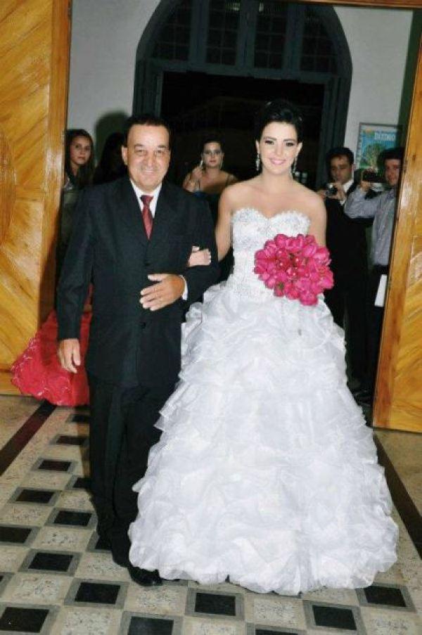 casamento-economico-espirito-santo-decoracao-rosa-e-branco-7500-reais (7)
