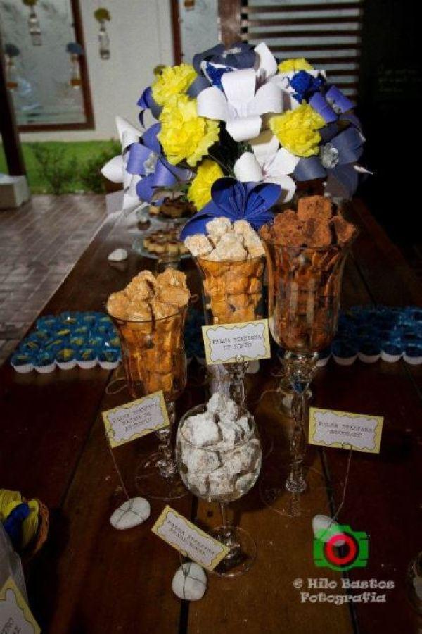 casamento-economico-manaus-amazonas-quintal-de-casa-decoracao-faca-voce-mesmo-amarelo-e-azul (10)