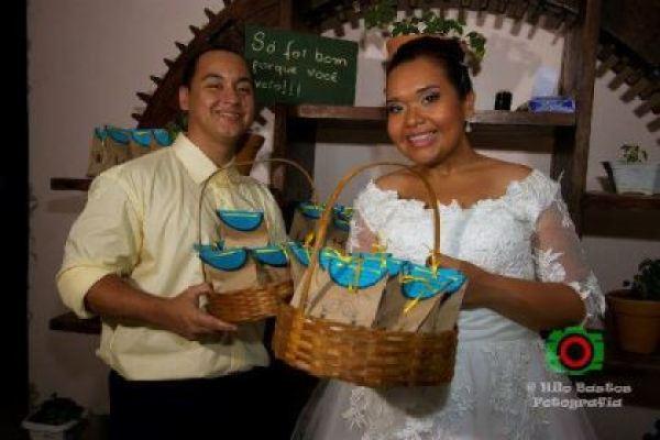 casamento-economico-manaus-amazonas-quintal-de-casa-decoracao-faca-voce-mesmo-amarelo-e-azul (31)