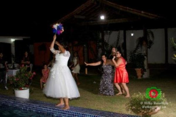 casamento-economico-manaus-amazonas-quintal-de-casa-decoracao-faca-voce-mesmo-amarelo-e-azul (34)