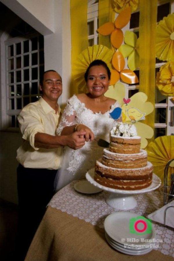 casamento-economico-manaus-amazonas-quintal-de-casa-decoracao-faca-voce-mesmo-amarelo-e-azul (36)