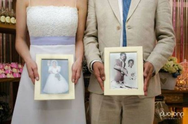 casamento-economico-em-casa-mini-wedding-comida-de-boteco-varal-de-luzinha-de-natal (16)