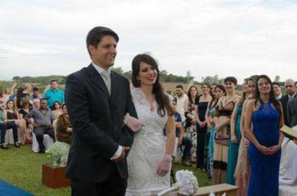 casamento-economico-minas-gerais-ao-ar-livre-divertido (31)